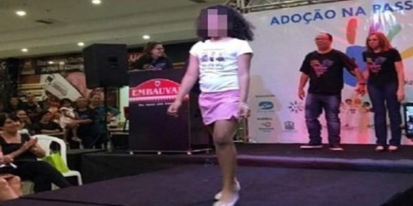 Σάλος στη Βραζιλία: Έβαλαν ορφανά παιδιά να κάνουν «πασαρέλα» για να υιοθετηθούν 14
