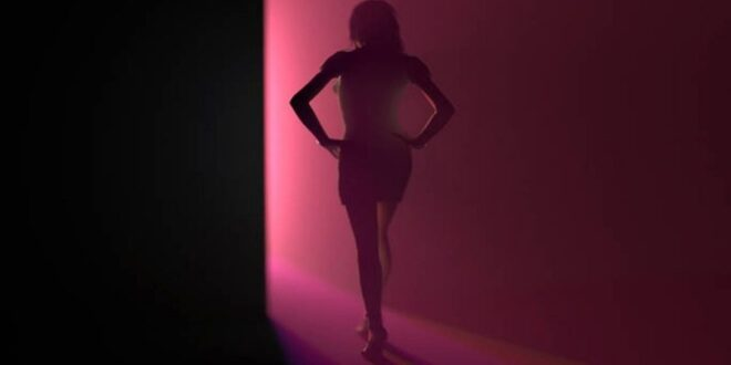 Δείτε το αποκαλuπτικό βίντεο του bbc για την ποpνεία στη Σιέρα Λεόνε