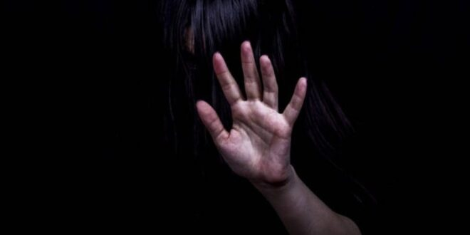 Ηλεία: Δεκαεξάχρονη έπεσε θύμα βιασμού από τον αδερφό και τον θείο της