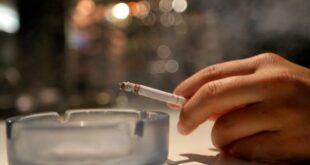 Οι άνθρωποι που καπνίζουν άφιλτρα τσιγάρα