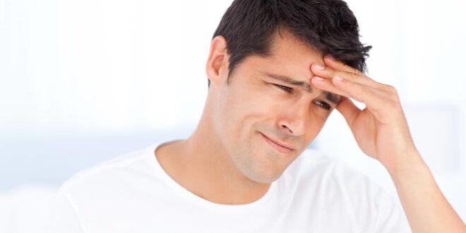 Πονοκέφαλος ή ημικρανία. Kαιρός, πολύ ύπνος, φως, θόρυβος προκαλούν κεφαλαλγία