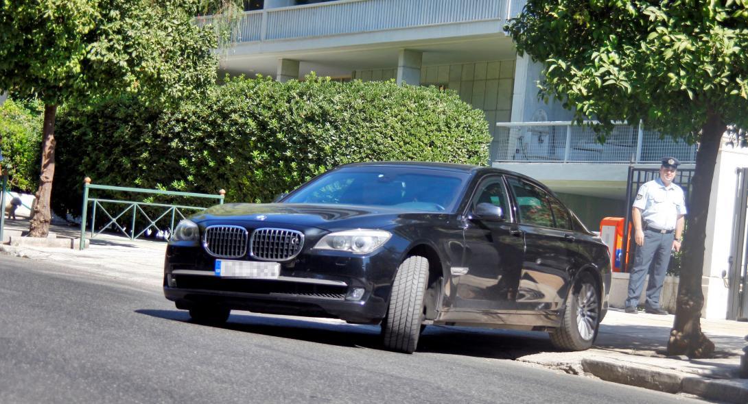 Αρνήθηκε τα πρωθυπουργικά θωρακισμένα αυτοκίνητα ο Μητσοτάκης 9