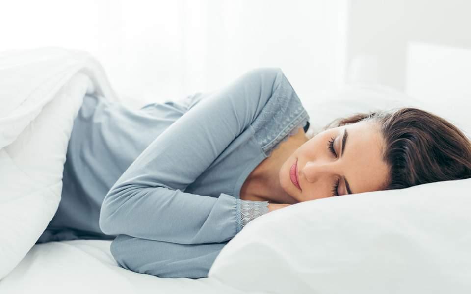 Θες να κοιμάσαι χωρίς να ιδρώνεις από τη ζέστη; 10