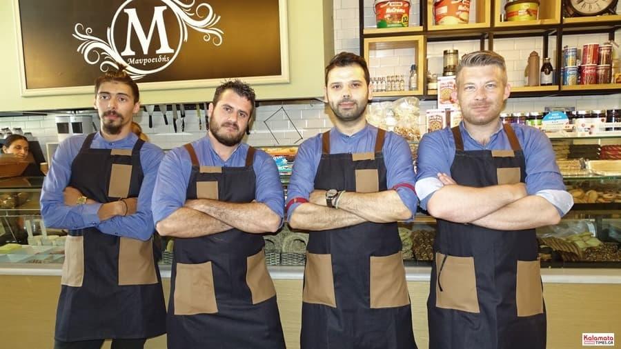 Καλαμάτα: Το προσωπικό από το καφέ Μαυροειδης με νέα εμφάνιση 5