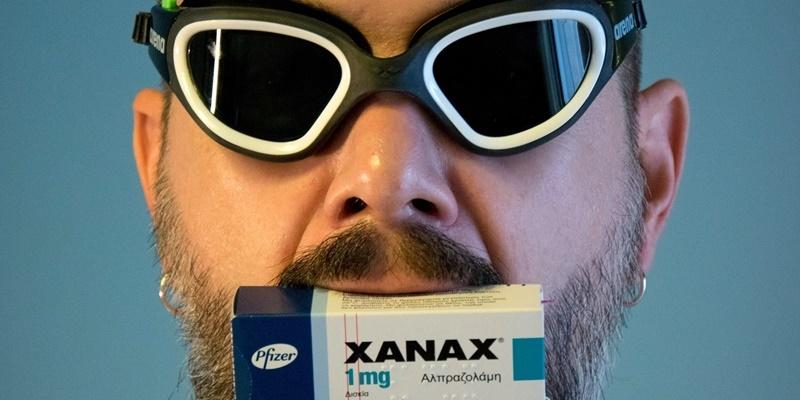 Η αβάσταχτη Βλακεία του Xanax στο Vino Banco Tapas Bar 25