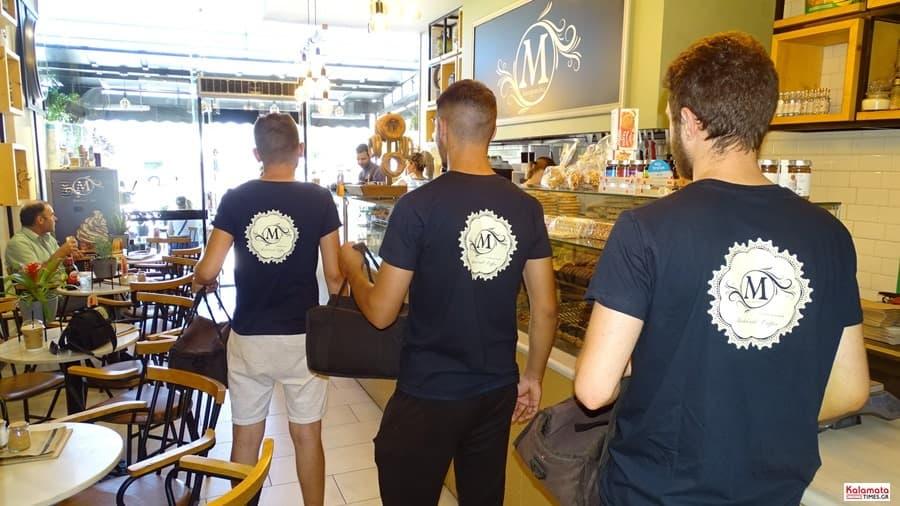 Καλαμάτα: Το προσωπικό από το καφέ Μαυροειδης με νέα εμφάνιση 11