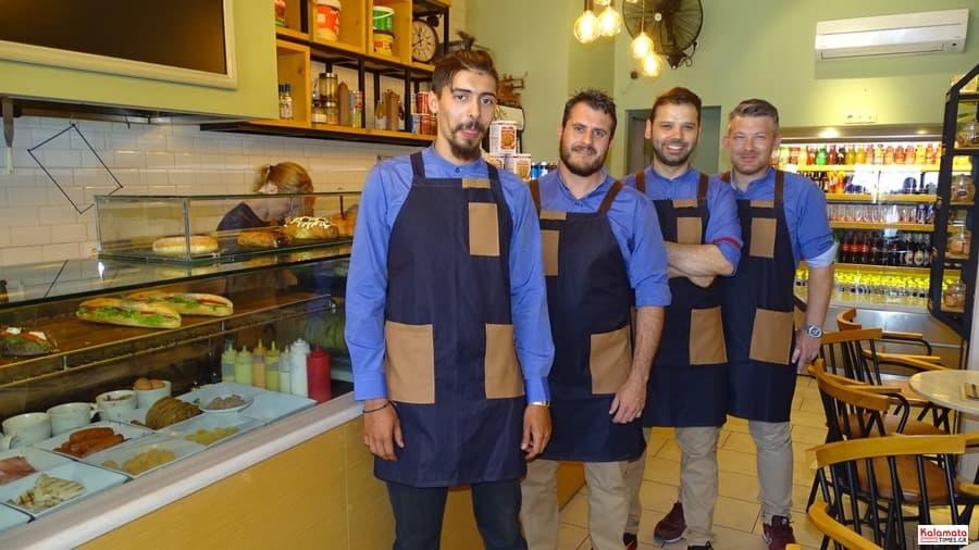 Καλαμάτα: Το προσωπικό από το καφέ Μαυροειδης με νέα εμφάνιση 14