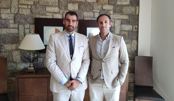 Ο Γεώργιος Καρκατζούλης με τον καθηγητή Χειρουργικής του Πανεπιστημίου Νέας Υόρκης κύριο Ιωάννη Χατζάρα