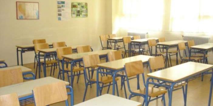 Το Δημόσιο Σχολείο καταντά απαξιωμένο προϊόν διότι είτε μεταρρυθμιστικά, είτε συνδικαλιστικά  ταξιδεύει συνεχώς με πλοίο άγονης γραμμής 1