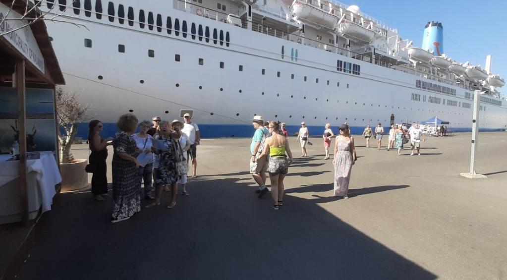 """Το κρουαζιερόπλοιο """"Marella Celebration"""" στην Καλαμάτα 2"""