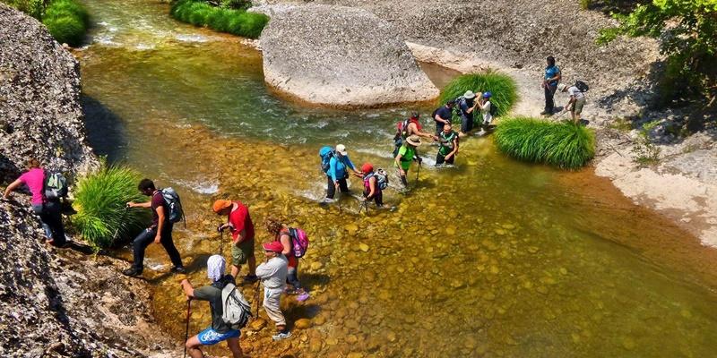 Οι πεζοπόροι του Ευκλή στο δροσερό φαράγγι του Ερύμανθου ποταμού 17