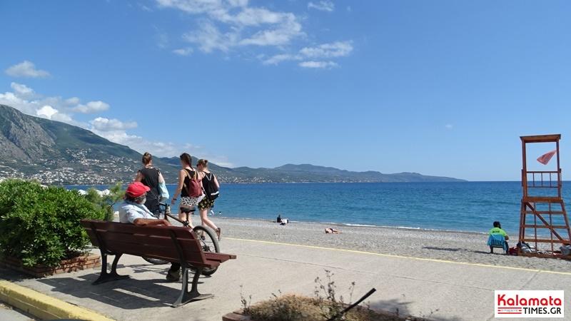 Απολαμβάνοντας τη βόλτα σου στην παραλία της Καλαμάτας 2