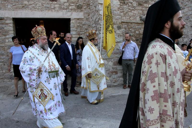 """Μητροπολίτης Μεσσηνίας: """"Η Παναγία να σκέπει το Λαό και την Πατρίδα μας"""" 2"""
