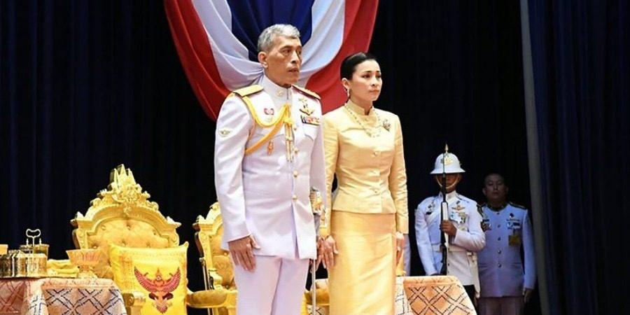Ταϊλάνδη: Ο βασιλιάς σύστησε την εpωμένη του στο λαό μπροστά στη γυναίκα του 1