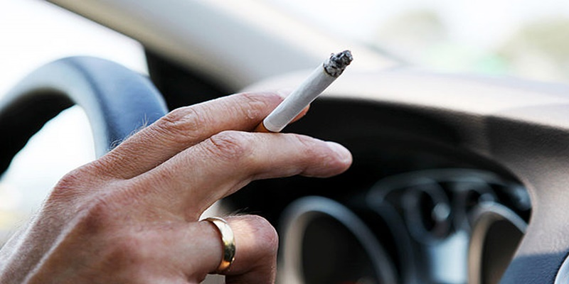 Τέλος το κάπνισμα και στην οδήγηση, πρόστιμα έως και 3.000 ευρώ 4