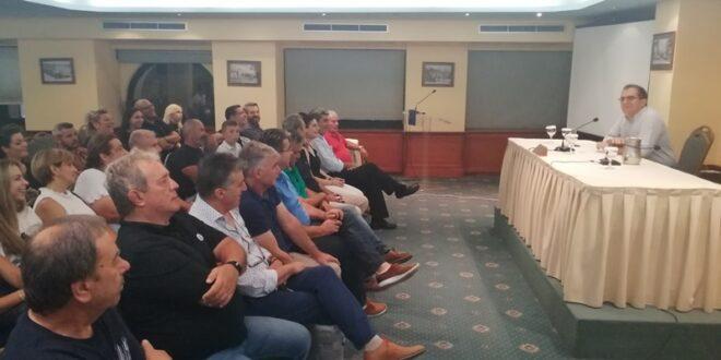 Θανάσης Βασιλόπουλος σε συνάντηση του συνδυασμού του «Πρέπει να προσφέρουμε τα μέγιστα»