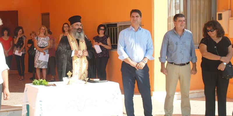 Ο Γιώργος Αθανασόπουλος σε σχολεία της Μεσσήνης για ευχές σε μαθητές και εκπαιδευτικούς 16