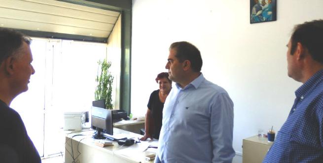 Ο Δήμαρχος Καλαμάτας Θανάσης Βασιλόπουλος, στο κτήριο διοίκησης του ΒΙΟΠΑ 11