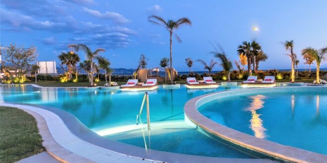 Βράδυ Σαββάτου στο ειδυλλιακό Elysian Luxury Hotel and Spa