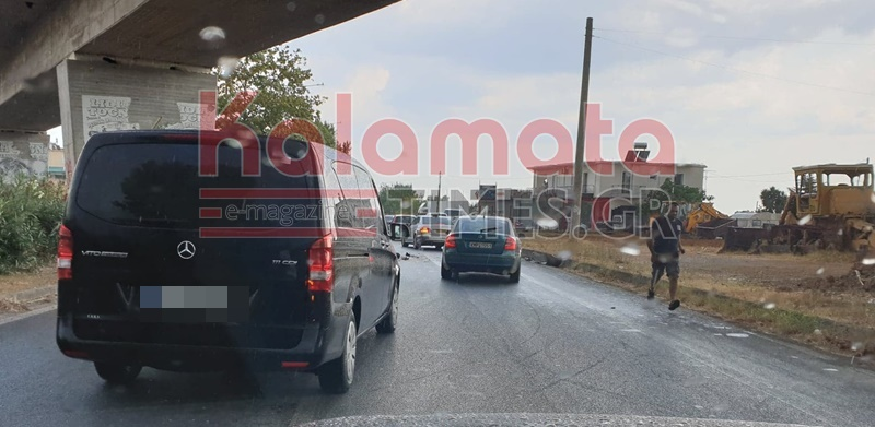 """Νέο τροχαίο και καραμπόλα τεσσάρων ΙΧ στη Νέα Είσοδο Καλαμάτας - """"Άγιο"""" είχε η οδηγός 25"""