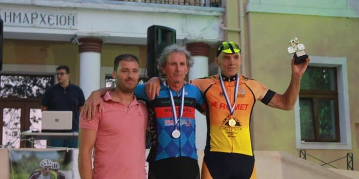 2ος ο καλαματιανός ποδηλάτης Β. Μυστριώτης του Ευκλή στα Σέρβια Κοζάνης. 1