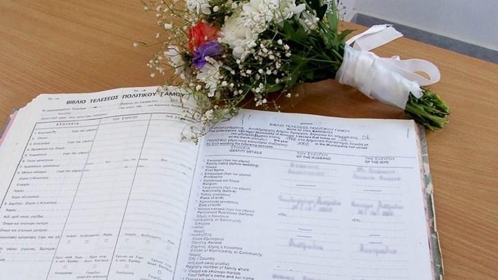 """Γαμήλια δεξίωση μετατράπηκε σε """"ρινγκ"""" στη Λάρισα - Άγριο ξύλο μεταξύ συμπέθερων 12"""