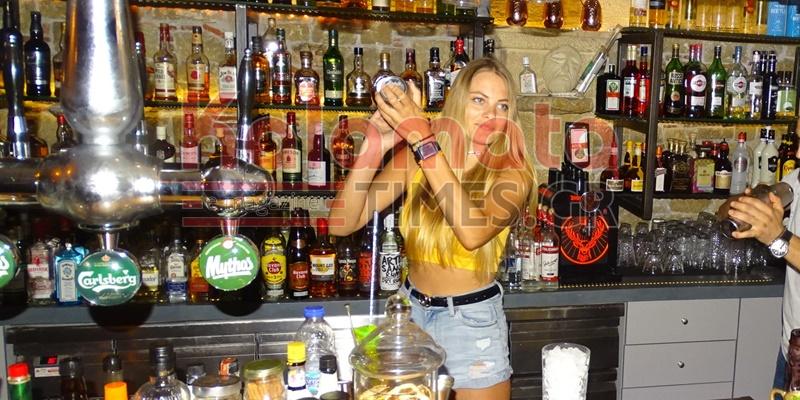 Η Φιονούλα από το Enigma Cafe Bar στη Μάνη, το μεγάλο φαβορί στο GNTM 2 1