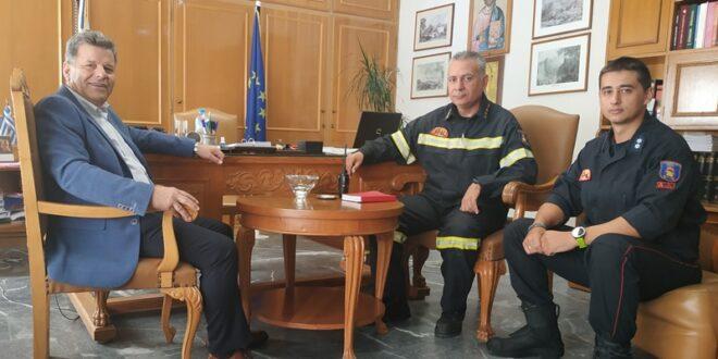 Στον Αντιπεριφερειάρχη Π. Ε. Μεσσηνίας η διοίκηση της Πυροσβεστικής Υπηρεσίας Καλαμάτας