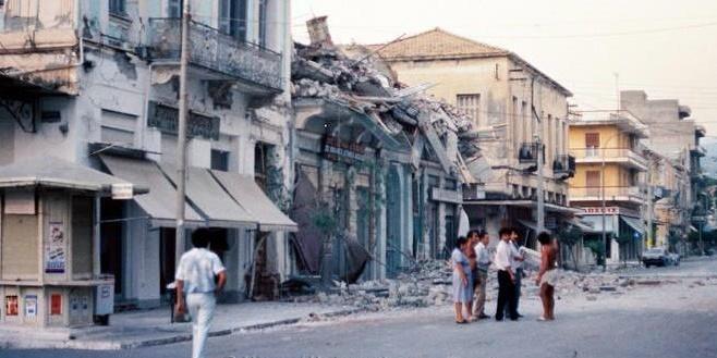 Τελετή για την 33η επέτειο των σεισμών του 1986 στην Καλαμάτα