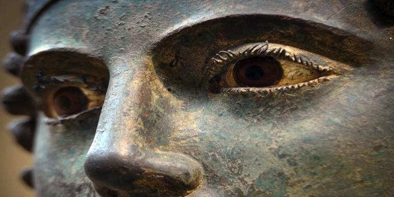 Τα απίστευτα μάτια του Ηνίοχου που μοιάζουν ζωντανά μαγνητίζουν όποιον τα κοιτάξει 25