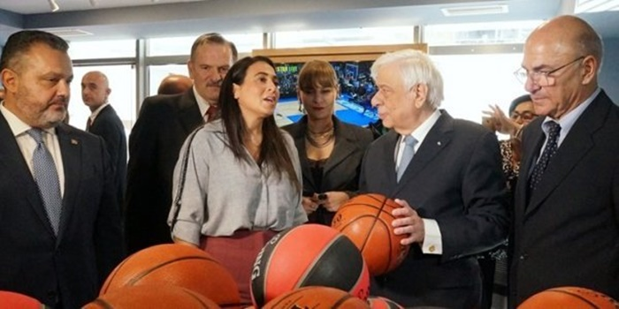 H εξομολόγηση του Προέδρου της Δημοκρατίας: «Όταν έπαιζα μπάσκετ στην Καλαμάτα...» 9