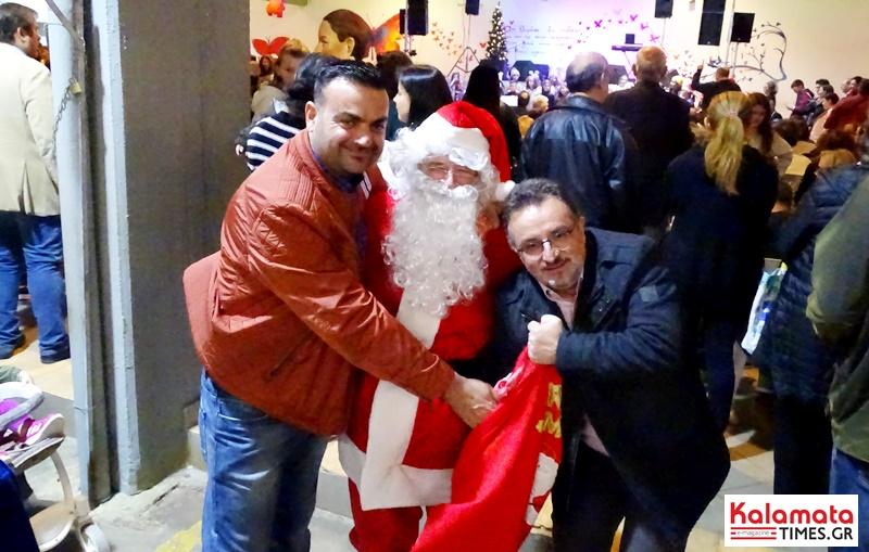 Άναψε το Χριστουγεννιάτικο δέντρο στην Κεντρική Αγορά Καλαμάτας 6