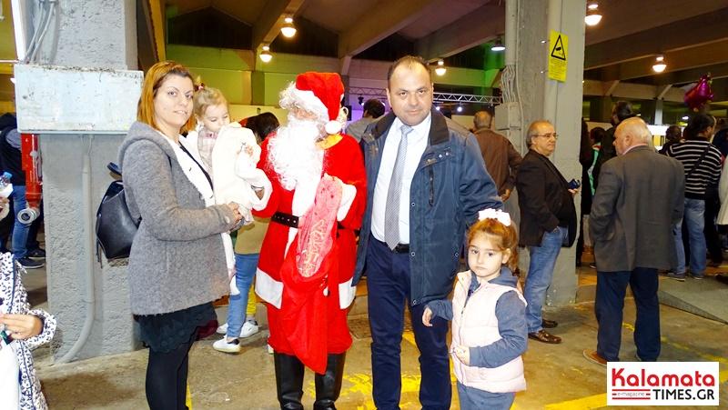 Άναψε το Χριστουγεννιάτικο δέντρο στην Κεντρική Αγορά Καλαμάτας 24