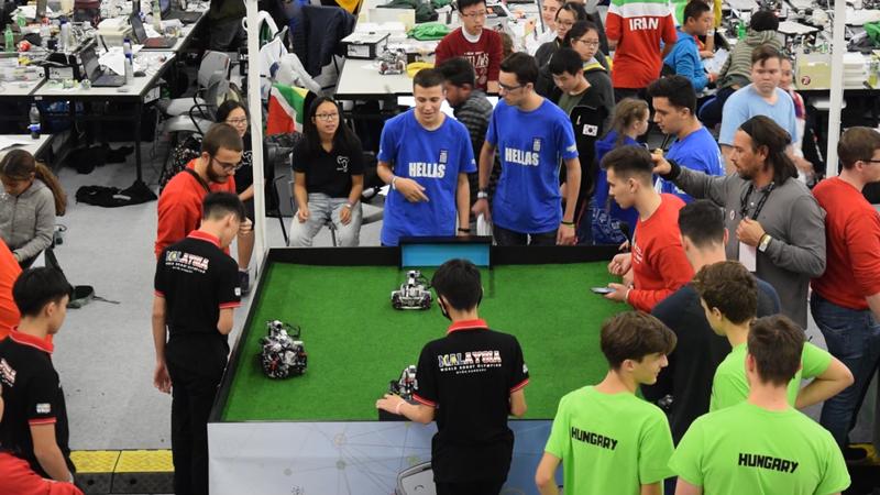 Καλαμάτα: Παγκόσμια διάκριση για ομάδα ρομποτικής από την bitLab Πληροφορική 2