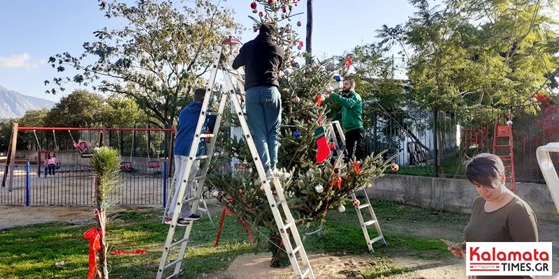 Οι γειτονιές της Καλαμάτας στολίζονται για τα Χριστούγεννα (photos) 12