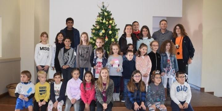 Άναψε το Χριστουγεννιάτικο δέντρο στις εγκαταστάσεις του ΟΑΚ 10