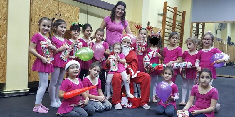 Παιχνίδια, χαρά και δώρα από τον Άγιο Βασίλη για όλα τα παιδιά του Ίκαρου Καλαμάτας 4