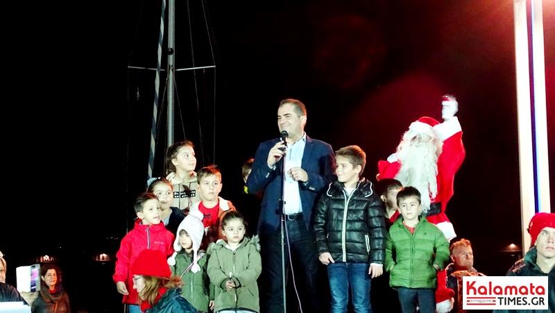 Άναψε το χριστουγεννιάτικο καράβι στο λιμάνι της Καλαμάτας 6
