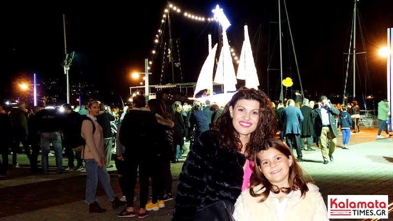 Άναψε το χριστουγεννιάτικο καράβι στο λιμάνι της Καλαμάτας 4