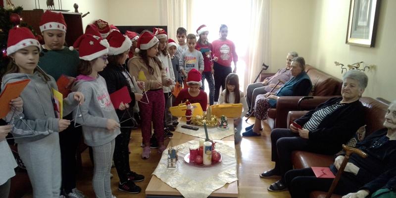 Στο γιορτινό κλίμα των Χριστουγέννων το 13ο Δημοτικό Σχολείο Καλαμάτας 11