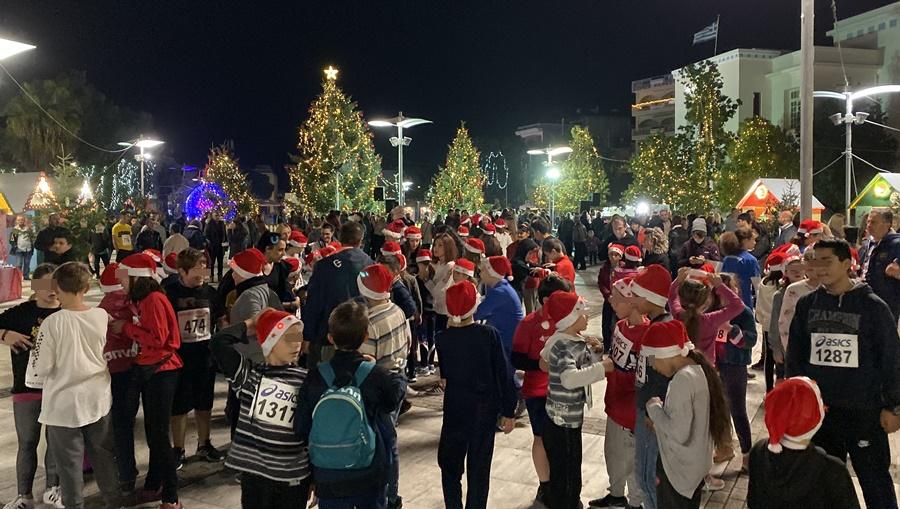 Αγιοβασίληδες «πλημμύρισαν» τη κεντρική πλατεία Μεσσήνης στο 1ο Christmas Night Run 27