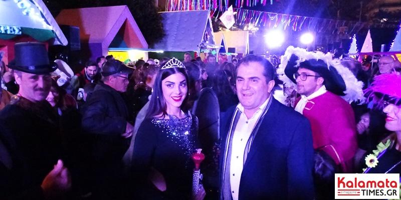 Στέφθηκε η βασίλισσα του 8ου Καλαματιανού Καρναβαλιού (φωτογραφίες) 1