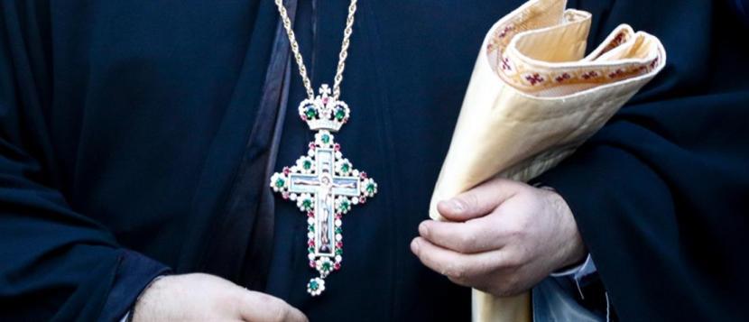 Ιερέας στη Λάρισα χαστούκισε πιστή γιατί πήρε και δεύτερο...αντίδωρο 1