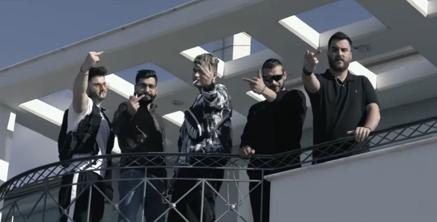 Οι Καλαματρανοί από το «Rouk Zouk» έκαναν.... χαμό στη βίλα (βίντεο) 21