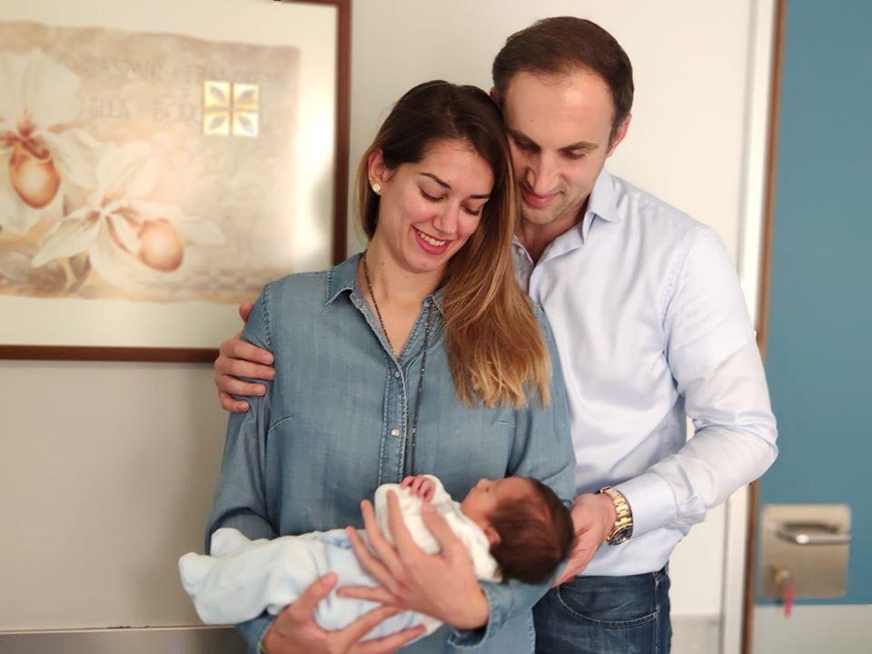 Σε πελάγη ευτυχίας πλέει η οικογένεια Καρκατζούλη που καλωσόρισε το νέο μέλος της! 2