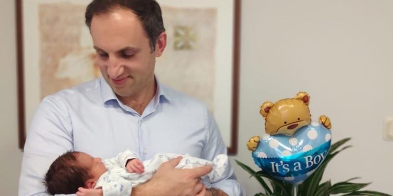 Σε πελάγη ευτυχίας πλέει η οικογένεια Καρκατζούλη που καλωσόρισε το νέο μέλος της! 1