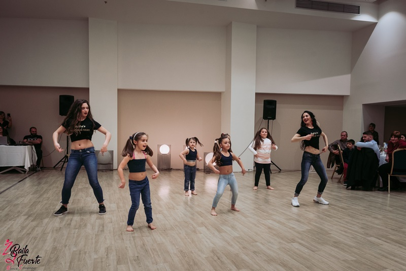 Ο χορός είναι πραγματική ευλογία για κάθε παιδί, οποιασδήποτε ηλικίας 4