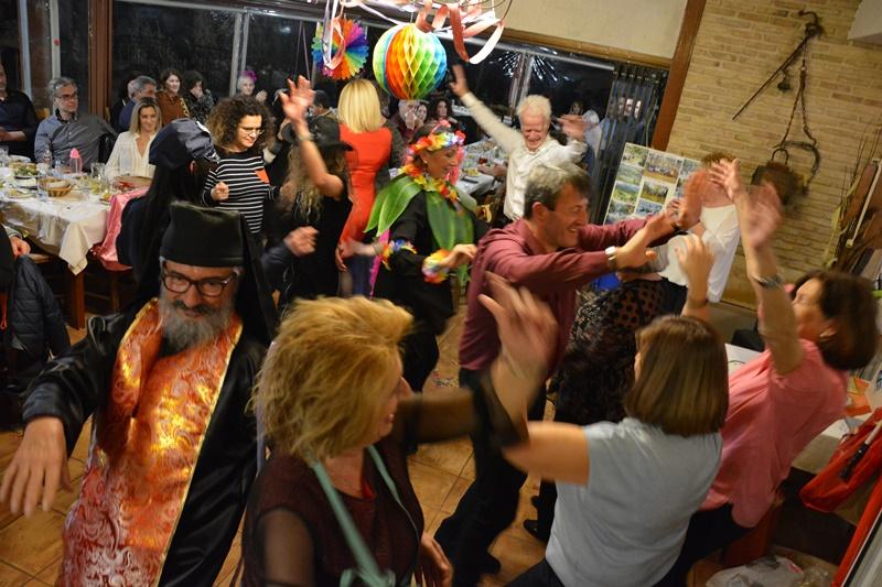 Οι πεζοπόροι του Ευκλή γλέντησαν, χόρεψαν και ξεφάντωσαν στην Αποκριάτικη γιορτή τους. 2