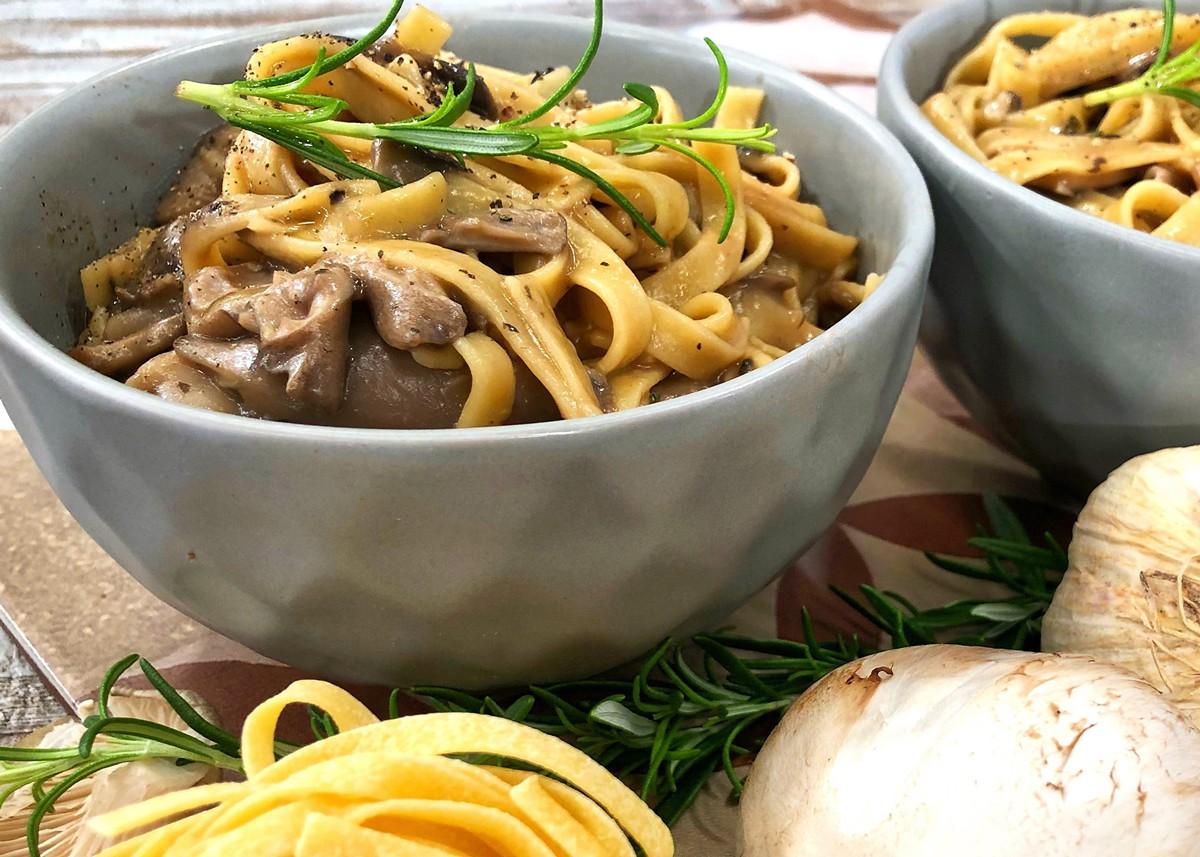 10 συνταγές για μακαρονάδες που θα σας κάνουν να μην θέλετε να βγείτε από το σπίτι 2