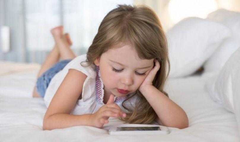 Όχι κινητά τηλέφωνα σε παιδιά κάτω των 12 ετών 14